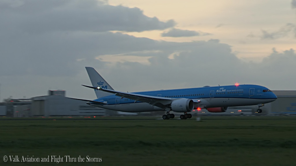 Deliveryflight KLM B787 Dreamliner @ PH-BHC  'Sunflower'.Still009