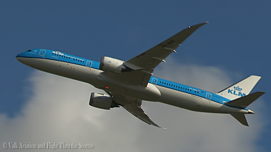 KLM B789 - PH-BHD @ newest dreamliner.Still009