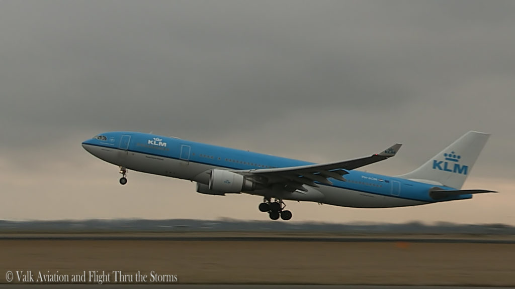 Last Flight of Captain A330 Hans Biesters.Still004