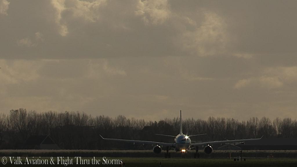 Last Flight of Captain Eric Zaar @ KLM A330.00_00_59_09.Still001