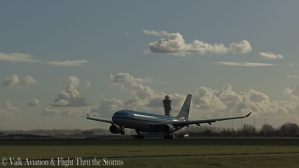 Last Flight of Captain Eric Zaar @ KLM A330.00_02_13_05.Still003