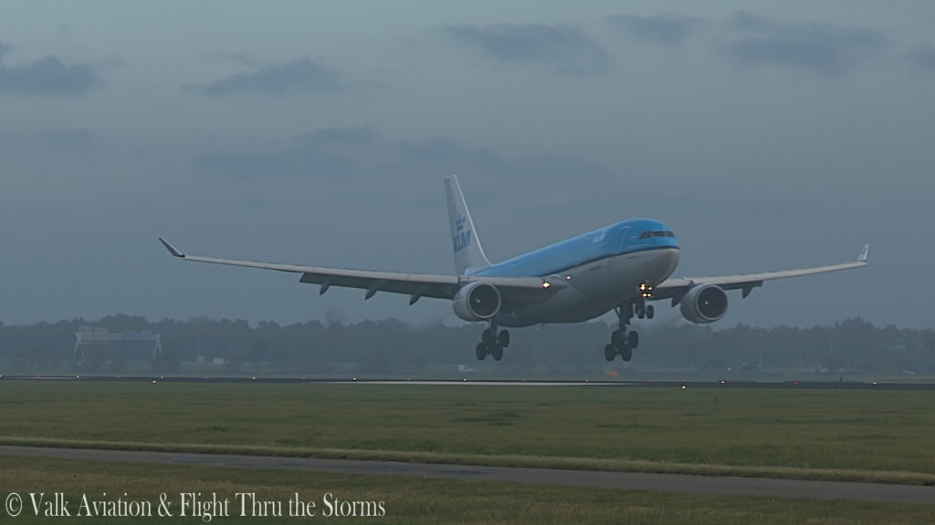 Last Flight of Captain Eric Zaar @ KLM A330.00_06_17_01.Still014