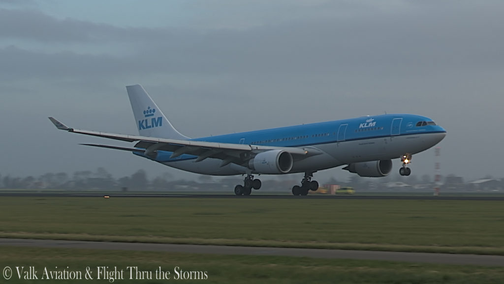 Last Flight of Captain Eric Zaar @ KLM A330.00_06_22_15.Still015