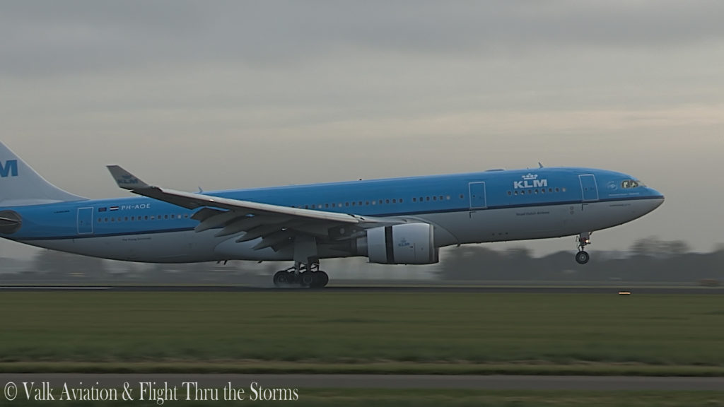 Last Flight of Captain Eric Zaar @ KLM A330.00_06_25_03.Still016