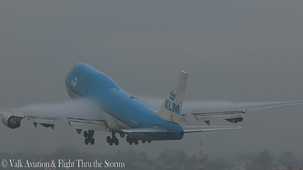 Last Flight of Captain Hans Klijn @ KLM B747.00_04_14_24.Still006