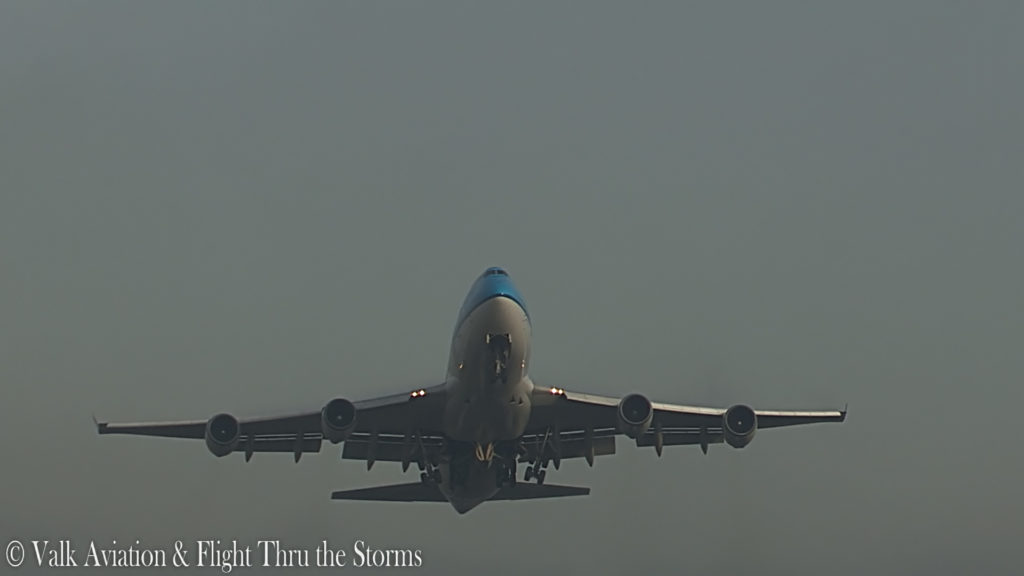 Last Flight of Captain Jan Cees Wilbrink @ KLM B747.00_01_49_06.Still005