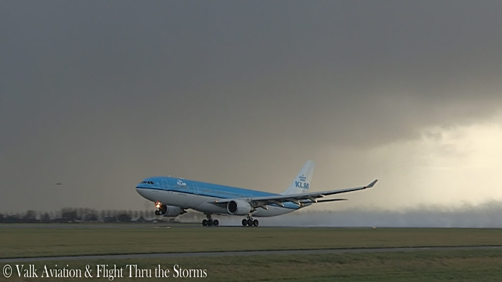 Last Flight of Captain Johan van der Sluis @ KLM A330.00_01_17_15.Still003
