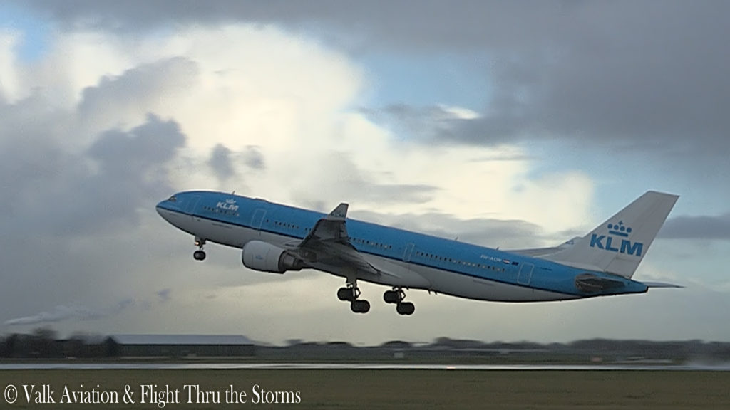 Last Flight of Captain Johan van der Sluis @ KLM A330.00_01_21_11.Still005
