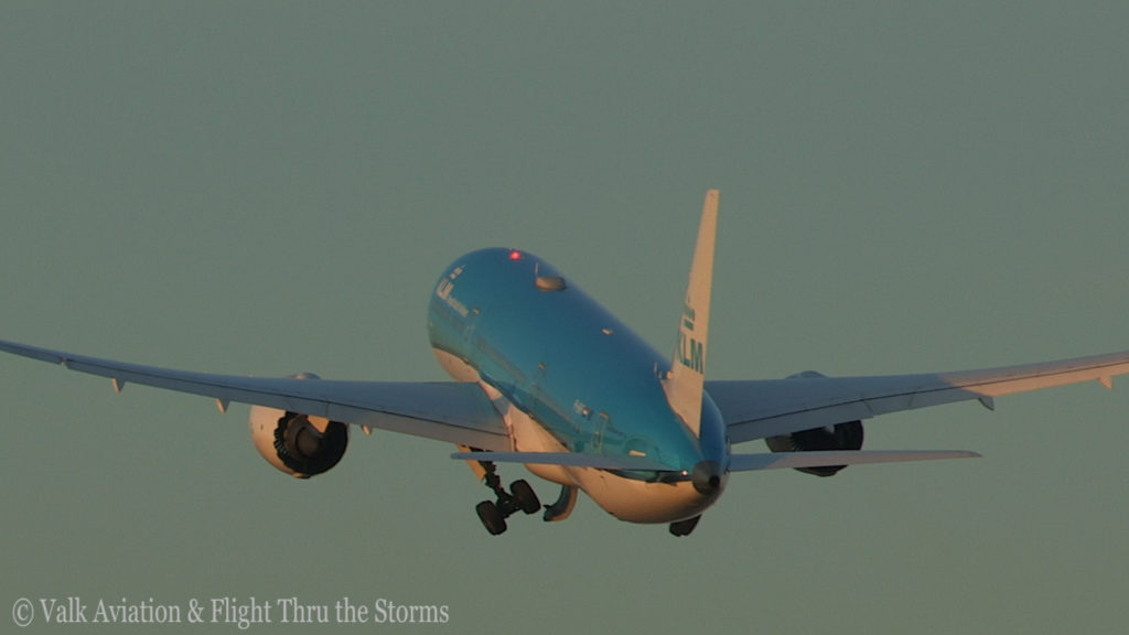 Last Flight of Captain Marten Oostenbroek @ KLM.Still017
