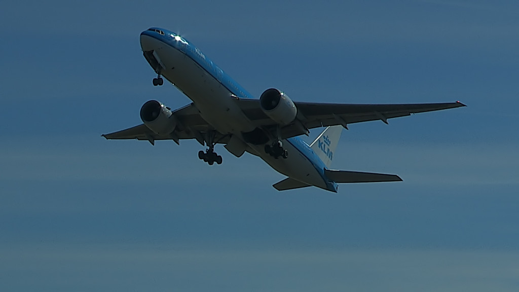 Last Flight of Charlot Engels @ Cpt KLM B777.Still004
