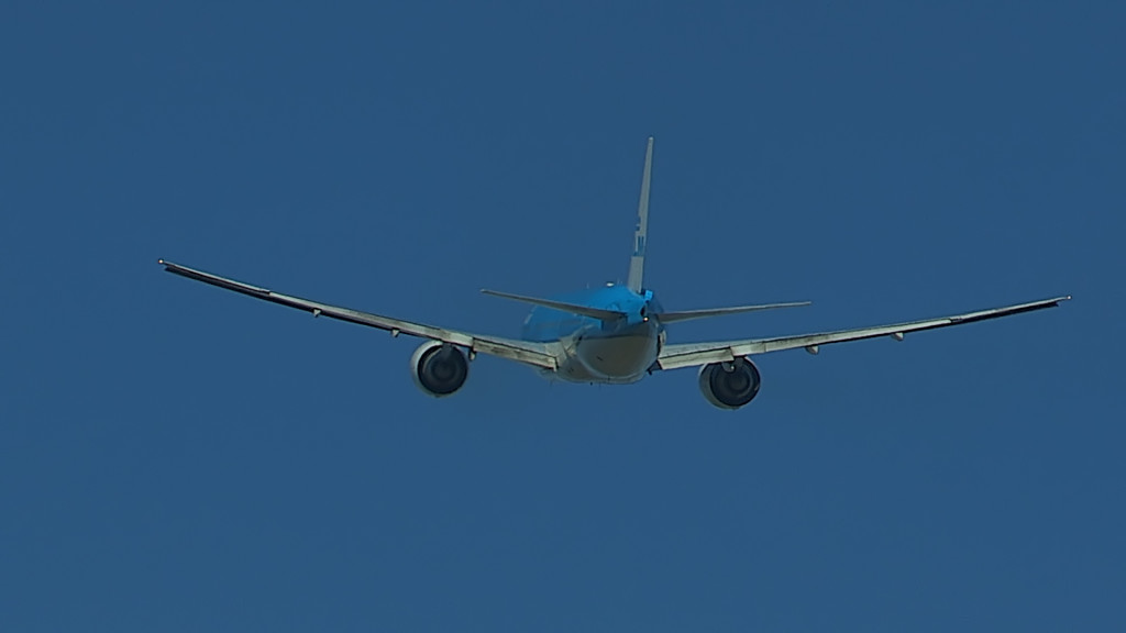 Last Flight of Charlot Engels @ Cpt KLM B777.Still010