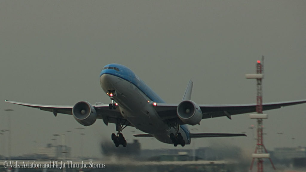 Last Flight of Cpt Wil Janssen @ KLM B777.Still004