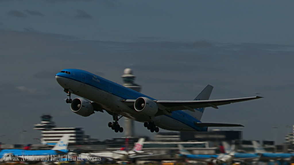 Last Flight of Erik v d Klippe @ Cpt KLM B777.Still015