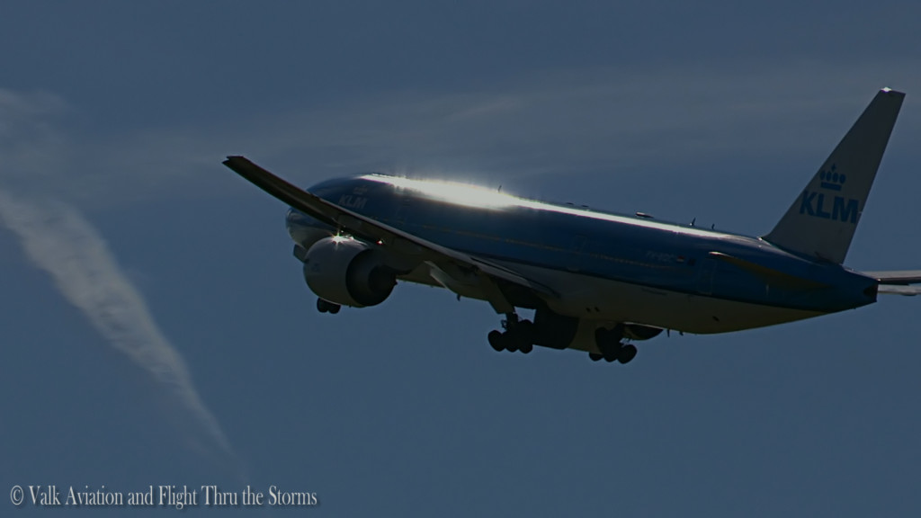 Last Flight of Erik v d Klippe @ Cpt KLM B777.Still020