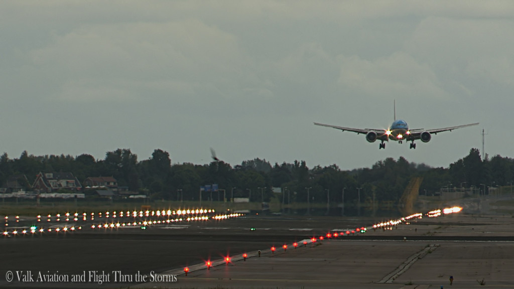 Last Flight of Erik v d Klippe @ Cpt KLM B777.Still032