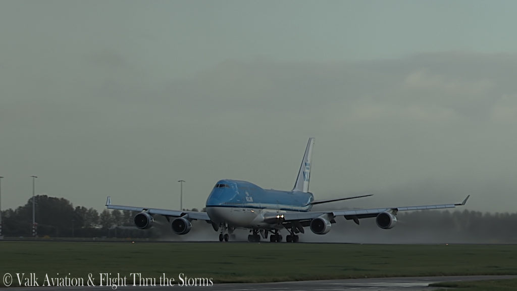 Last Flight of First Officer Rob Willekes @ KLM B747.00_03_54_17.Still003