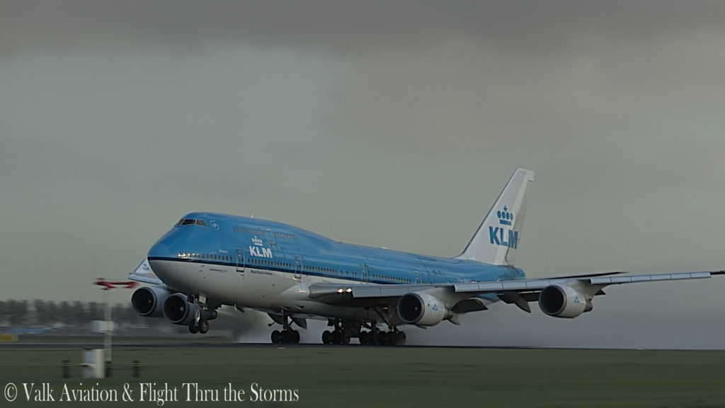 Last Flight of First Officer Rob Willekes @ KLM B747.00_03_59_05.Still005