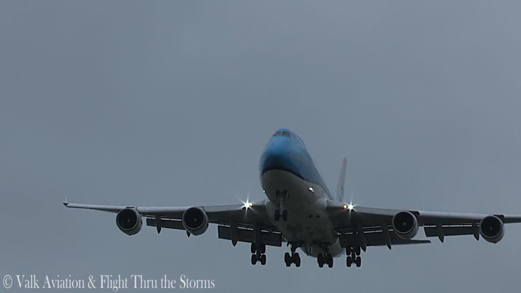 Last Flight of First Officer Rob Willekes @ KLM B747.00_10_44_01.Still015