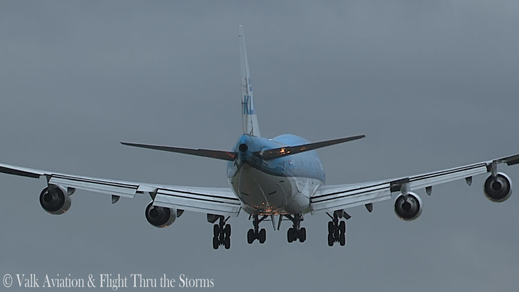 Last Flight of First Officer Rob Willekes @ KLM B747.00_10_58_00.Still017