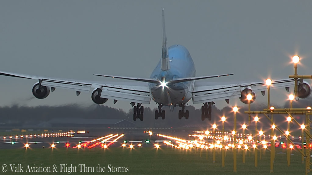 Last Flight of First Officer Rob Willekes @ KLM B747.00_11_03_13.Still019