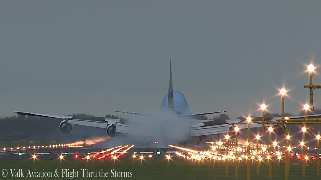 Last Flight of First Officer Rob Willekes @ KLM B747.00_11_06_23.Still020