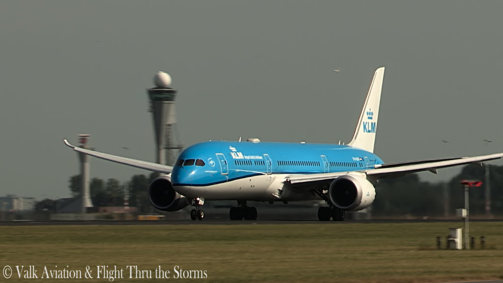 Last Flight of KLM Captain Ad Barla @ B777-789.00_02_30_02.Still005