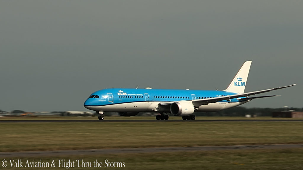Last Flight of KLM Captain Ad Barla @ B777-789.00_02_33_18.Still006
