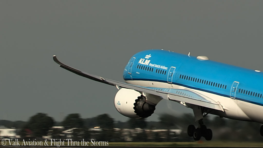 Last Flight of KLM Captain Ad Barla @ B777-789.00_02_39_12.Still010