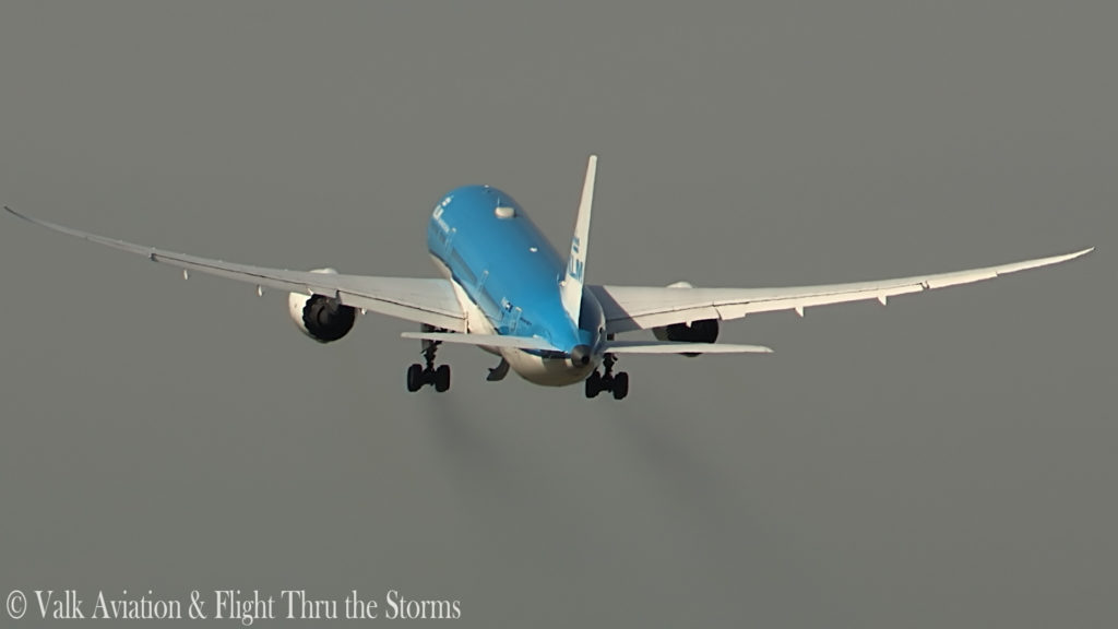 Last Flight of KLM Captain Ad Barla @ B777-789.00_02_47_17.Still012