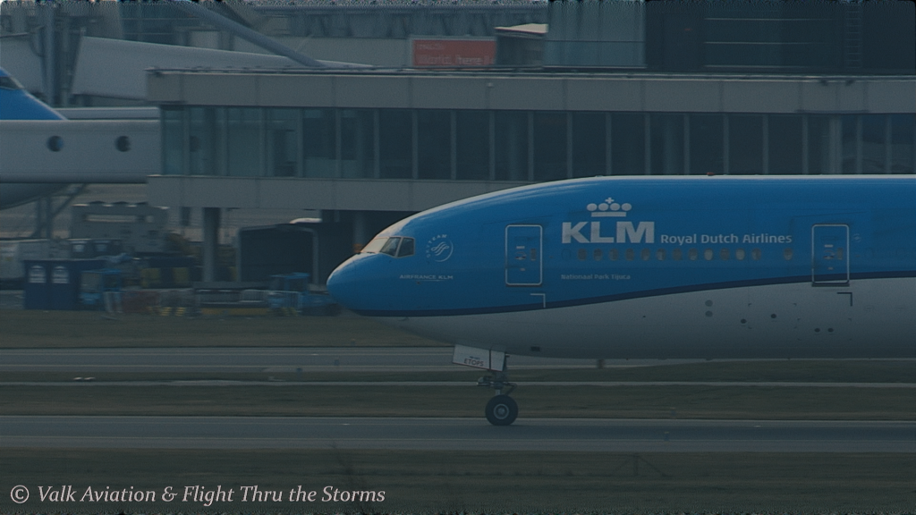 Last Flight of KLM Captain Bart Sier .00_05_16_12.Still015
