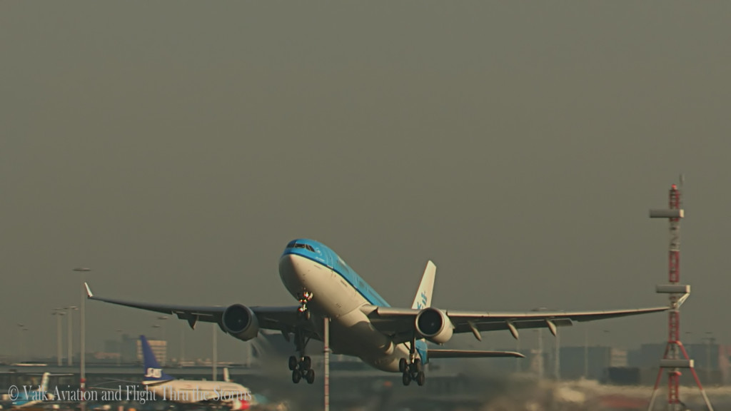 Last Flight of Ronald Aries @ Cpt KLM A330.Still004