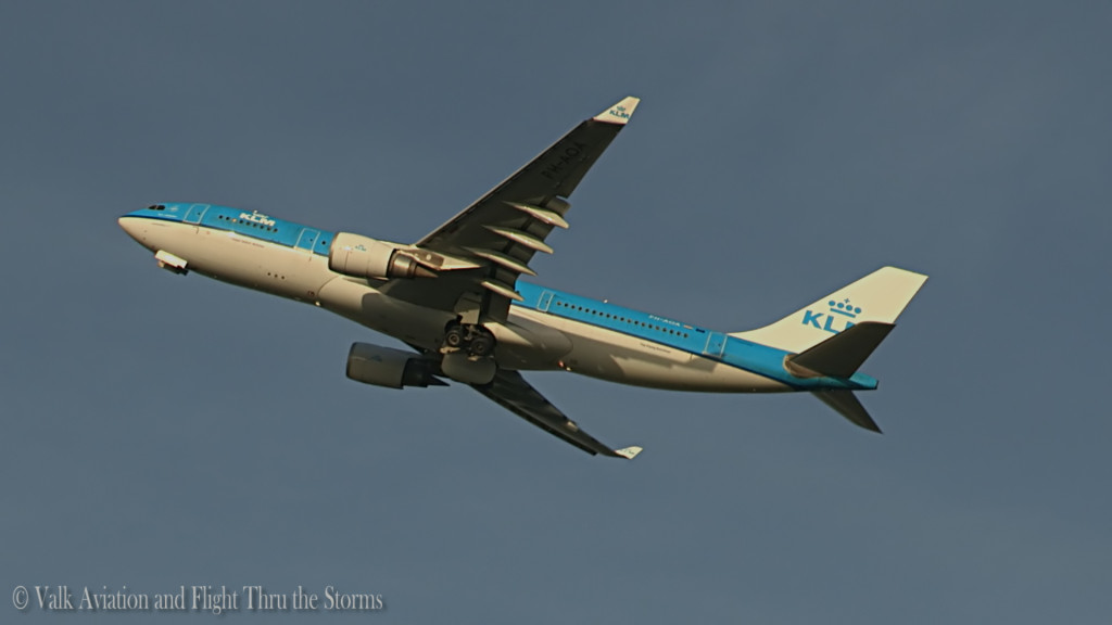 Last Flight of Ronald Aries @ Cpt KLM A330.Still007