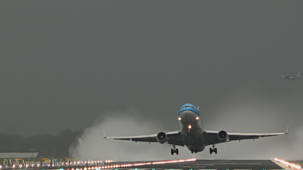 Last Stormy Departure @ KLM MD11.Still002