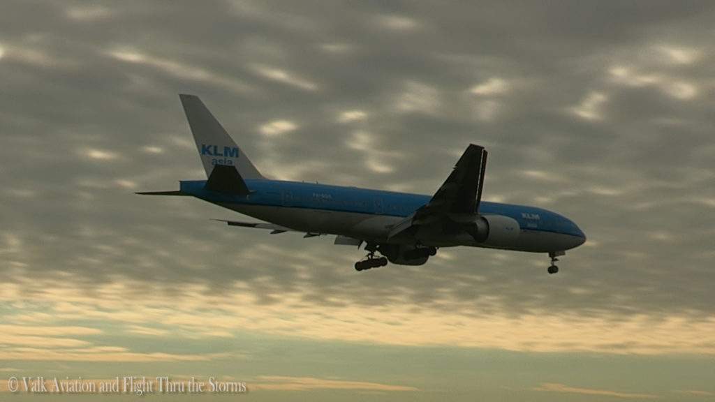 last-flight-of-captain-rien-bastiaanse-klm-b777-still002