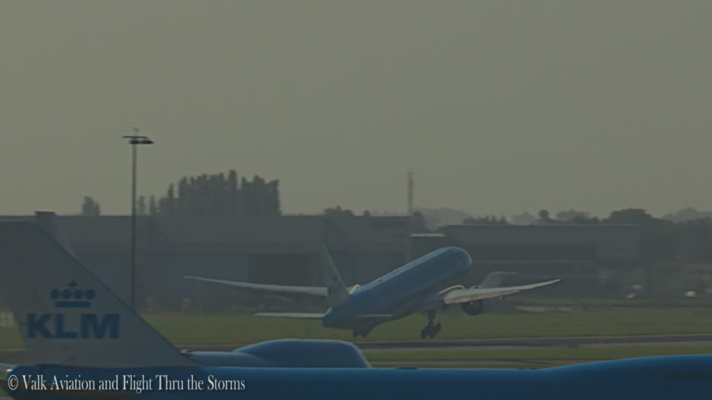 last-flight-of-captain-rien-bastiaanse-klm-b777-still019