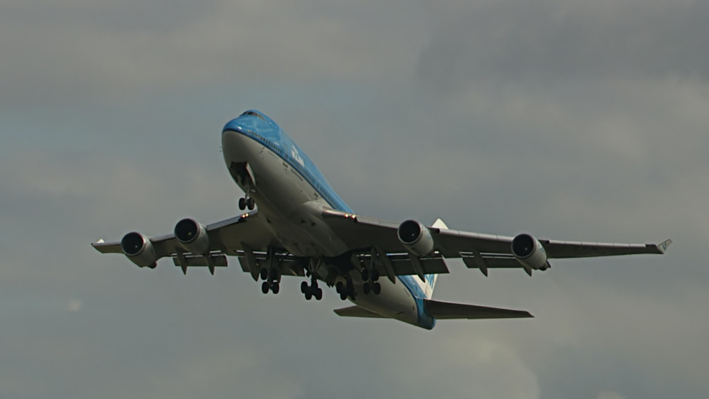 Last flight of Egbert Fontilus @ Cpt KLM B747.Still010