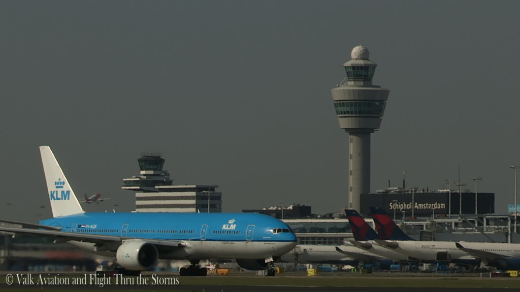 Last flight of Gerard Smeets @ Cpt KLM B777.Still006