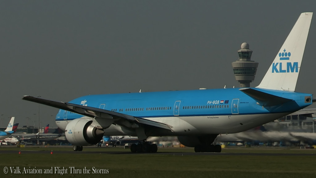 Last flight of Gerard Smeets @ Cpt KLM B777.Still010
