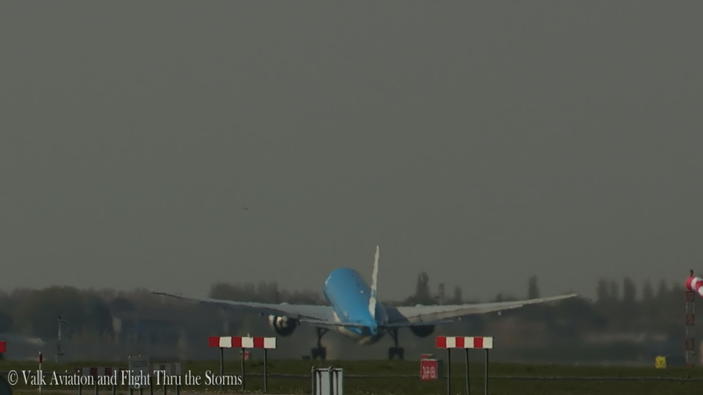 Last flight of Gerard Smeets @ Cpt KLM B777.Still013