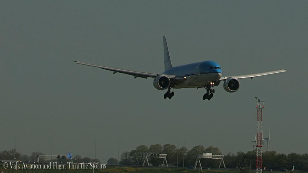 Last flight of Gerard Smeets @ Cpt KLM B777.Still019