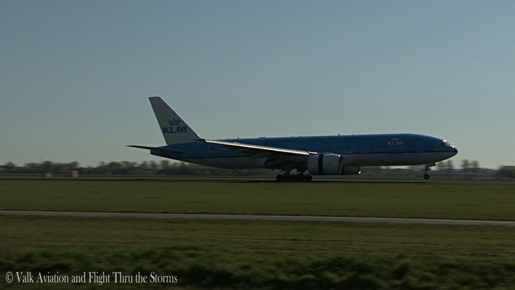 Last flight of Gerard Smeets @ Cpt KLM B777.Still024