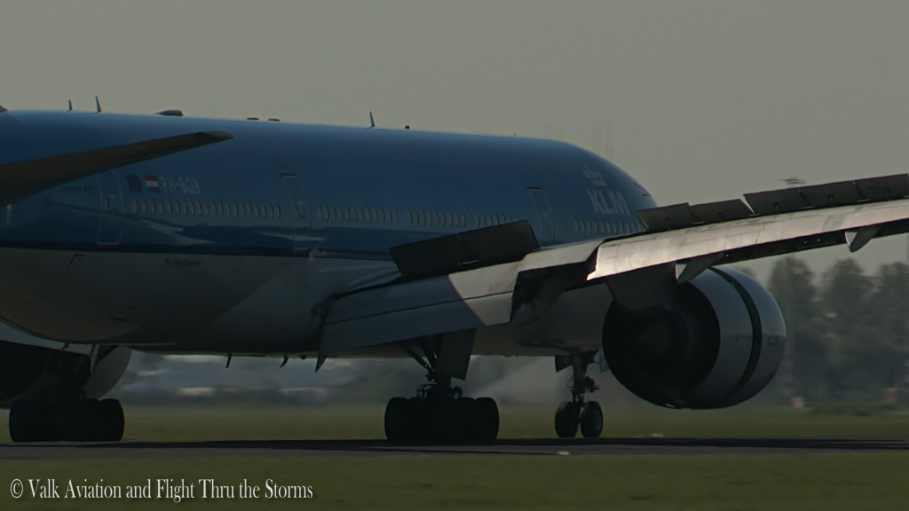 Last flight of Gerard Smeets @ Cpt KLM B777.Still027