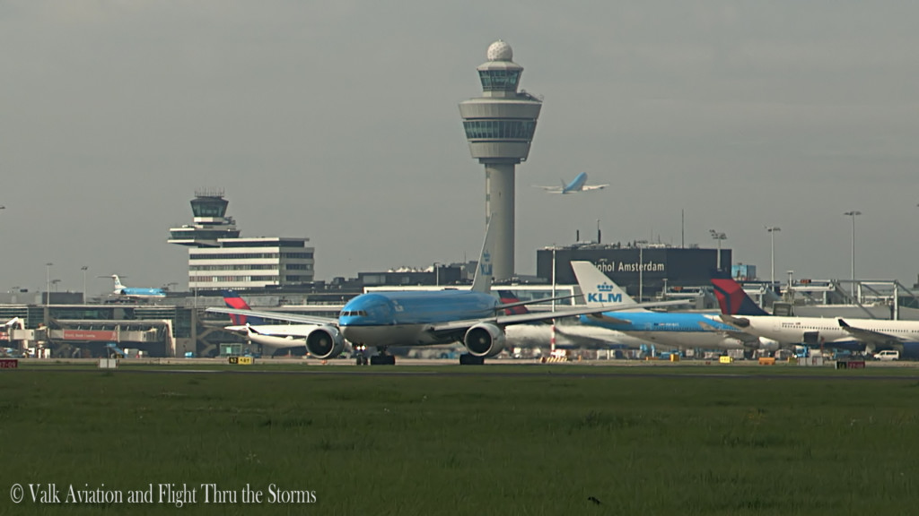 Last flight of Remco Emanuel @ Cpt KLM B777.Still013