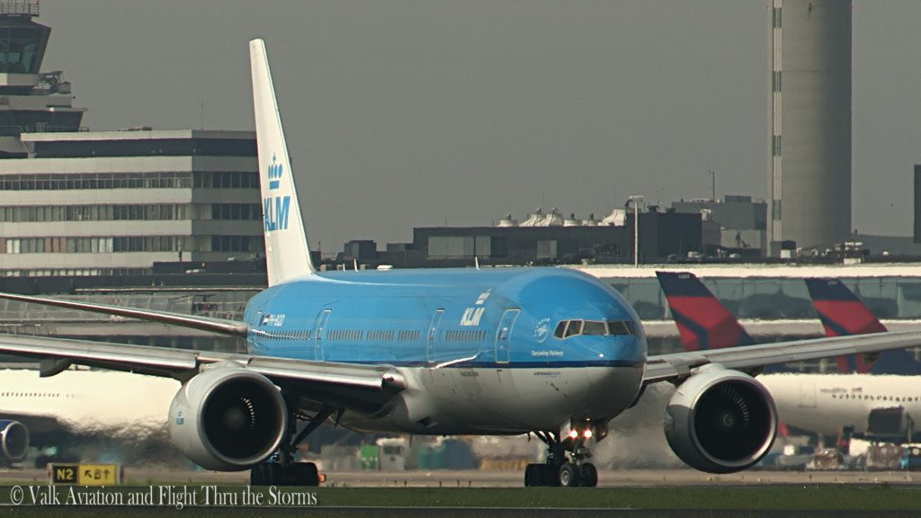 Last flight of Remco Emanuel @ Cpt KLM B777.Still015