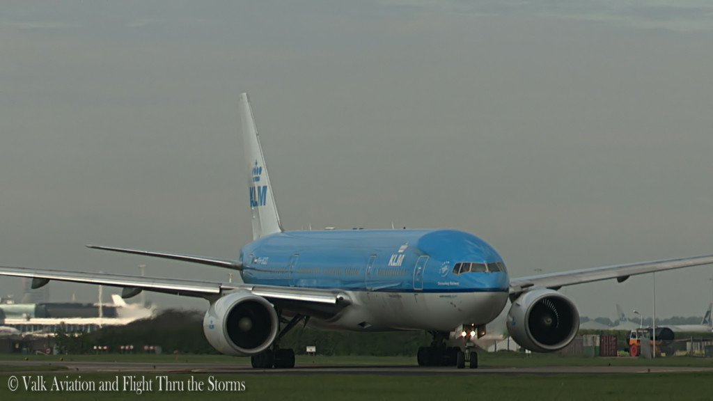 Last flight of Remco Emanuel @ Cpt KLM B777.Still019