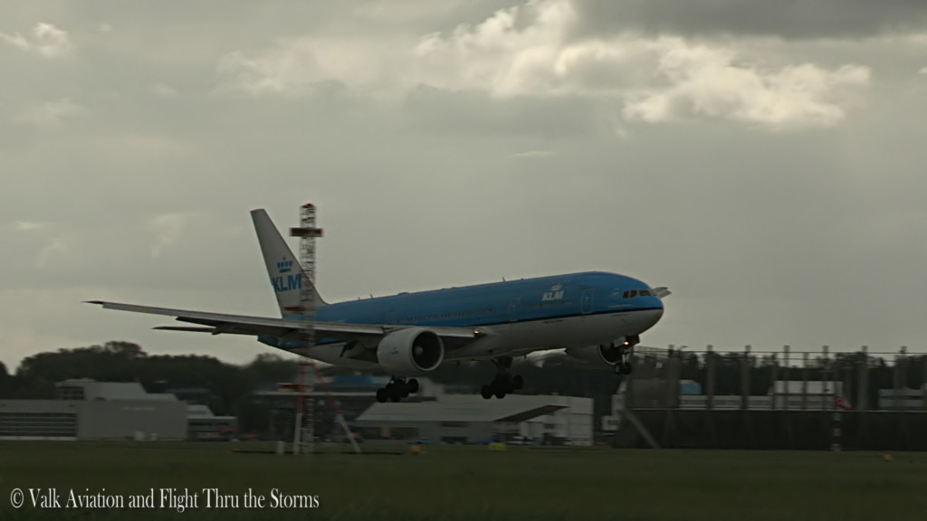 Last flight of Remco Emanuel @ Cpt KLM B777.Still050