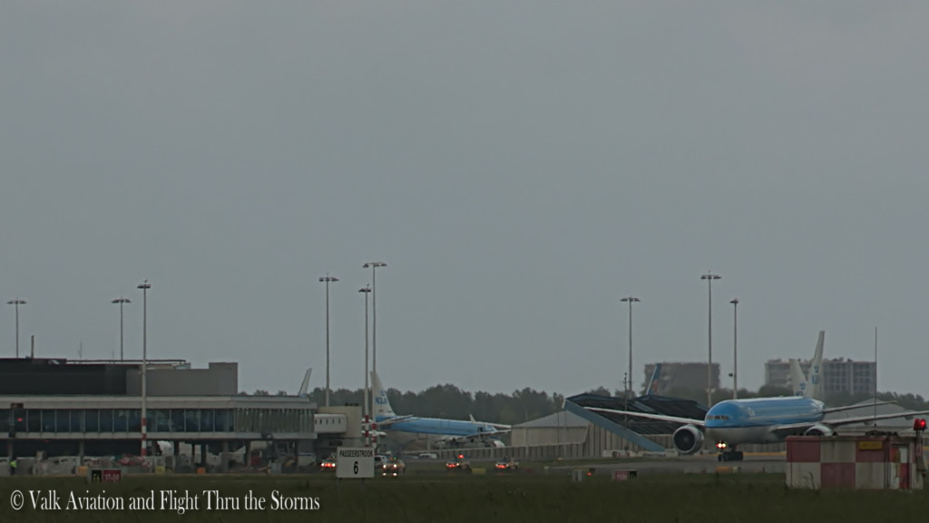 Last flight of Remco Emanuel @ Cpt KLM B777.Still058