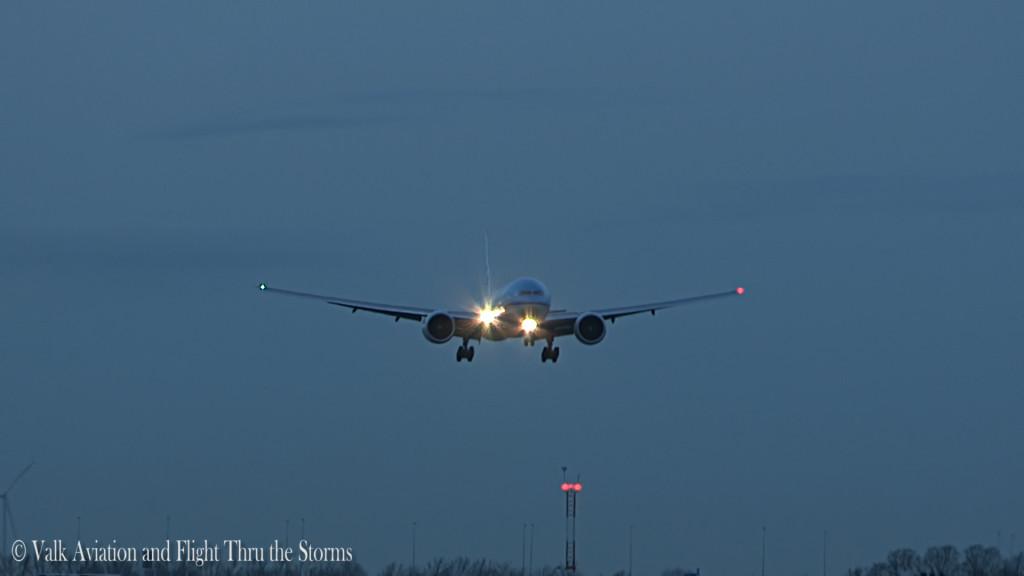 Last flight of René v d Vliet @ Cpt KLM B777.Still014