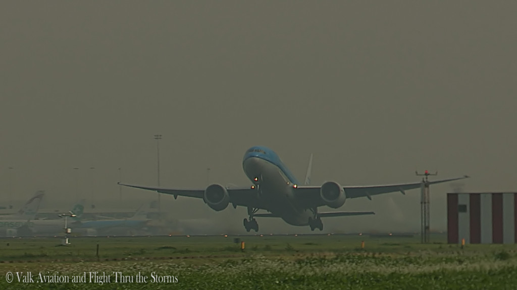 Last flight of Ron Engels @ Cpt KLM B777.Still001