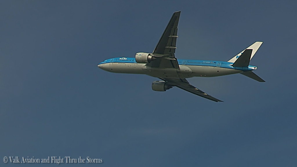Last flight of Ron Engels @ Cpt KLM B777.Still005